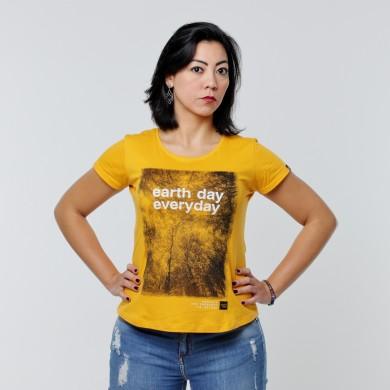 T-shirt Earth Zoo Feminina - Earth Day Everyday Mostarda