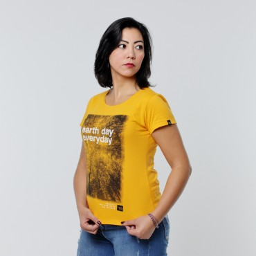 T-shirt Earth Zoo Feminina - Earth Day Everyday Mostarda